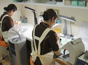 品質の高い、心のこもった技工物を製作するために。