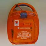 自動体外除細動器(AED)